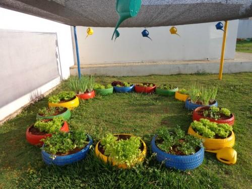 Horta na escola municipal Frederico Lenz complementa a merenda escolar